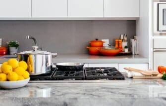 11 viisi, kuidas tagasihoidlikusse kööki värvi tuua