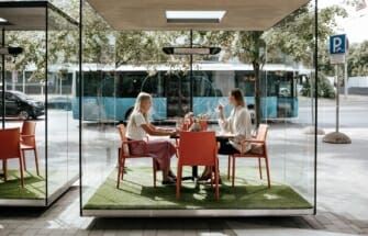 Tallinnas avatakse koroonakindlate klaastarudega restoran