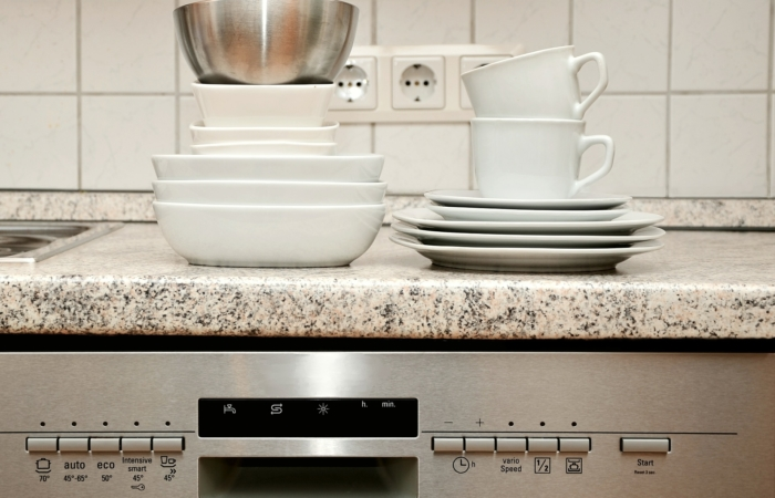 17 asja, mida ei tohiks nõudepesumasinas pesta